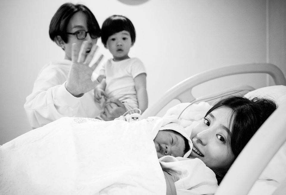 林宥嘉與老婆3月底喜迎千金Pippi,一家四口湊成「好」。圖/摘自IG