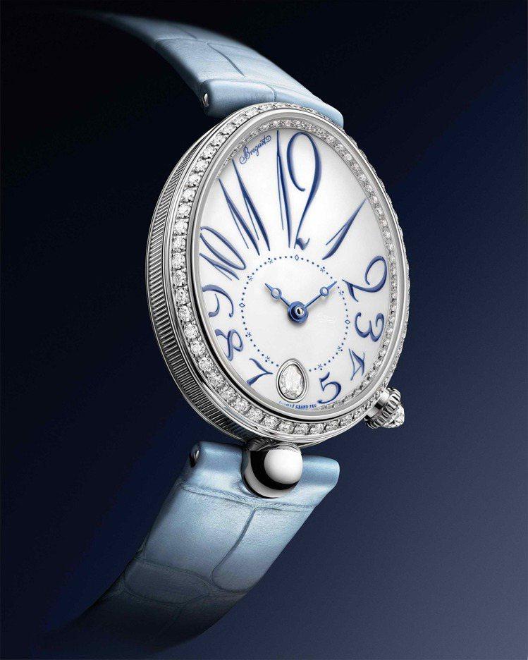 8918女仕鑽表是Reine De Naples那不勒斯系列首次使用大明火琺瑯表...