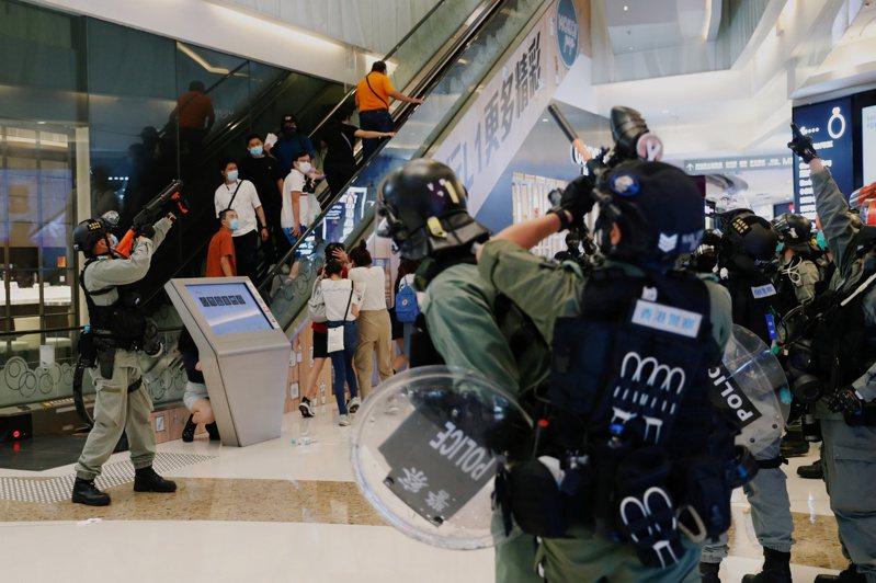 歐盟對中國大陸實施「港區國安法」做出具體回應,限制向香港出口鎮壓及監視設備。 路透資料照片