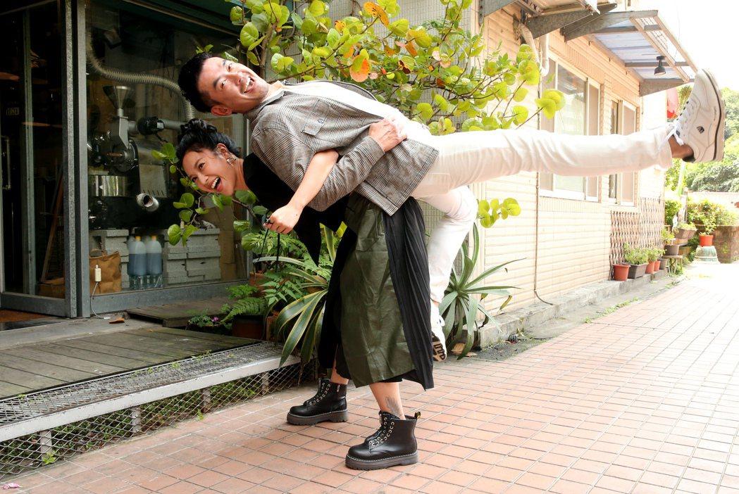 柯叔元(右)、方宥心在「做工的人」有不少對手戲。記者徐兆玄/攝影