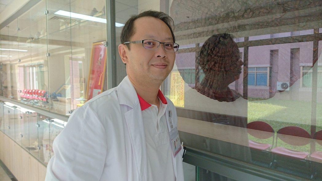 彰化醫院中醫科主任馮天祥認為夏季有好胃口,吃得下有助免疫力。記者簡慧珍/攝影