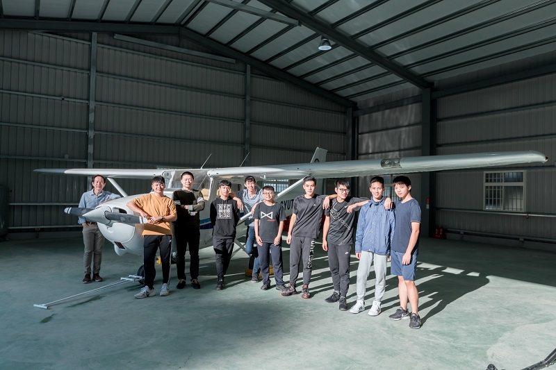 朝陽科大購入塞斯納172型單引擎小型飛機示範教學課程,培育全球飛航菁英。 朝陽科...