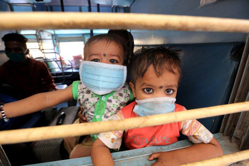 聯合國12日示警,新冠肺炎疫情恐日奪6千童性命,病毒也恐致免疫過度反應引發孩童罕見炎症。 歐新社