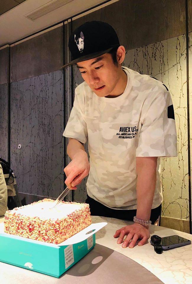 施易男昨天過生日。圖/擷自facebook。