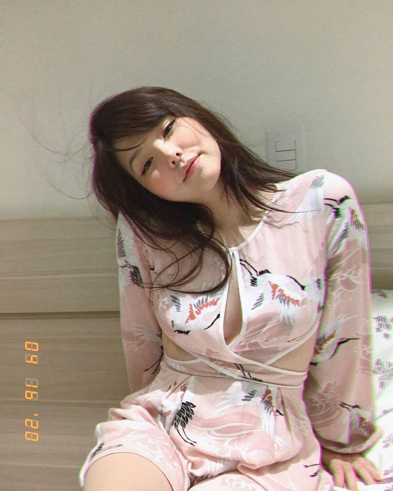 Mayumi貼出睡衣照,引起不少網友暴動。圖/Instagram
