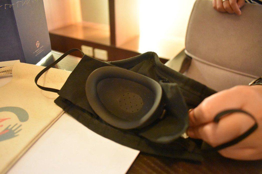 減音口罩的內部構造。 圖/林妤瑄攝影