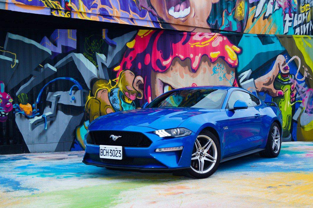 2020年式Ford Mustang GT也是一輛能夠長途旅遊的GT跑車。 記者...