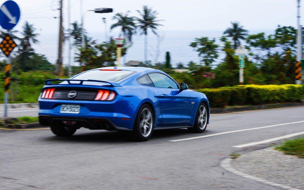 大排量美式跑車的魅力,不是用文字或是影像就能感受的到。 Jack/攝影