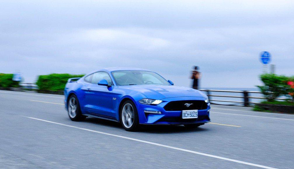 在即將邁入電動化的汽車產業裡,何不把握機會體驗機械感的純粹。 Keith/攝影