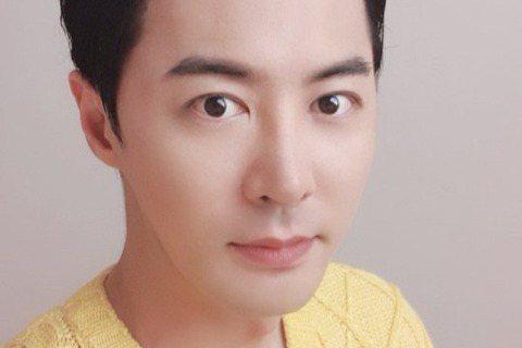 男團神話出道22年屹立不搖,成員陸續邁入人生另一階段,繼隊長 Eric 2017年結婚後,成員Junjin前進也宣佈婚訊,成為神話中第2位成為人夫的成員。據韓媒「spotvnews」報導,Junji...