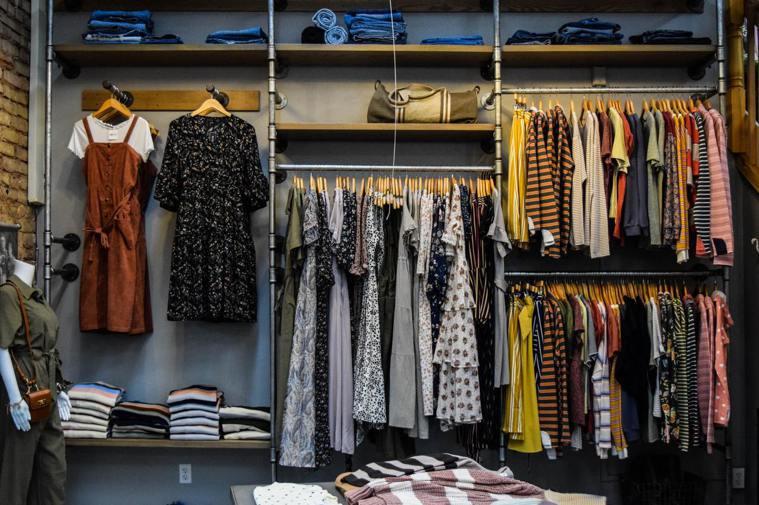 打造宛若賣場、令人怦然心動的整潔衣櫃是許多女性所嚮往的。 圖/Burgess M...