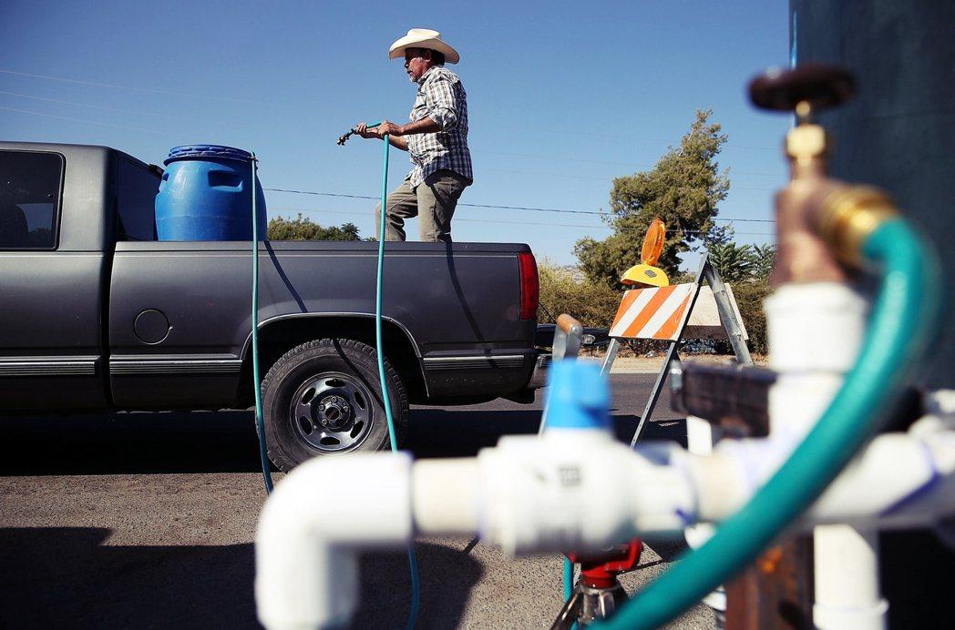 全美的自來水系統管線總長超過100萬英里,無論是要維持狀態或更新修繕,都是耗時耗...