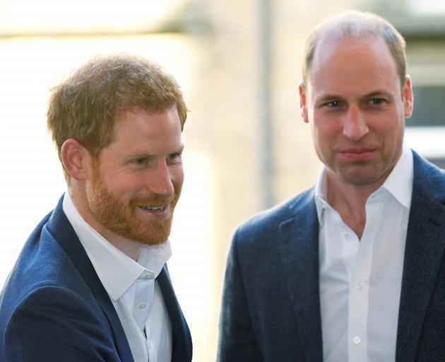哈利(左)與威廉兄弟倆曾經感情很親密。圖/路透資料照片