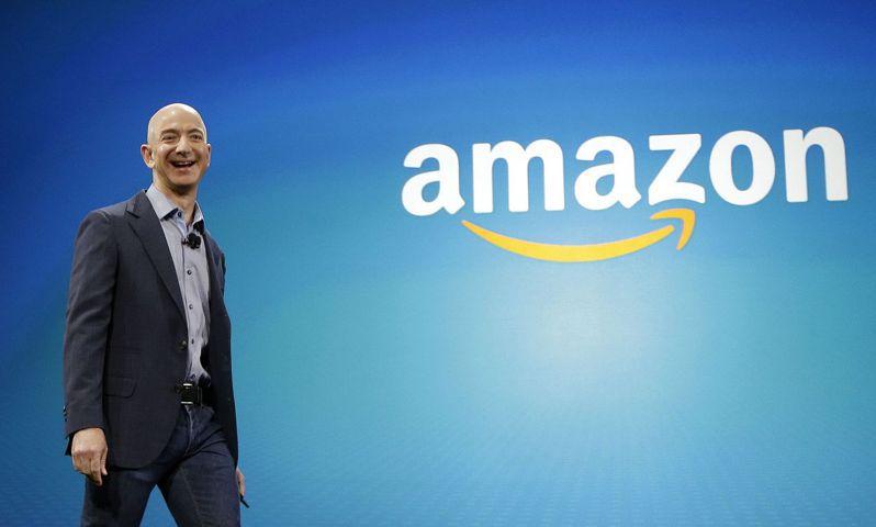 顧問公司預測美國第一大電商亞馬遜(Amazon)創辦人兼CEO貝佐斯(Jeff Bezos),將會在2026年成為人類史上首位萬億富豪。美聯社