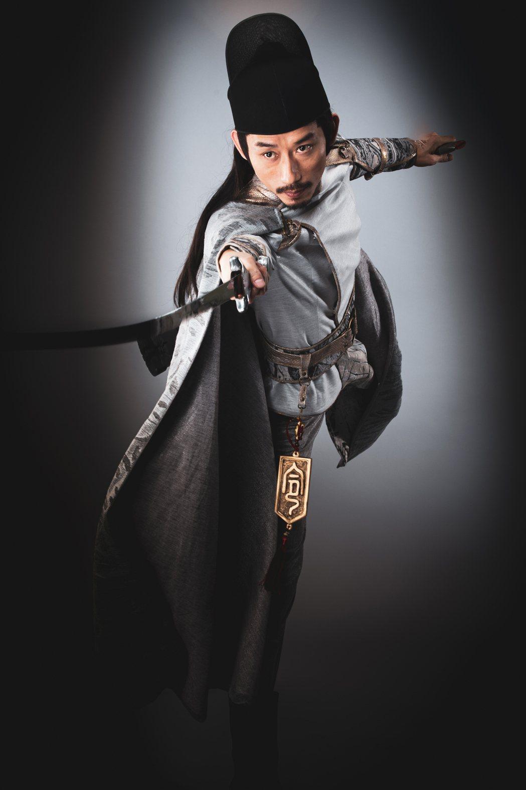 陳竹昇扮演白捕快。圖/民視提供