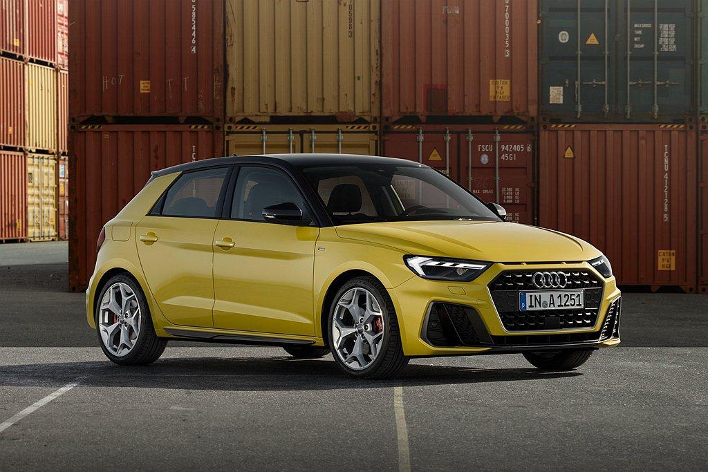 Audi A1 Sportback車頭採用寬大的單體式盾形水箱護罩結合較寬幅的車...