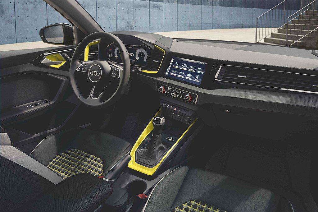 全新第二代Audi A1 Sportback全車型標配10.25吋全數位儀表板與...