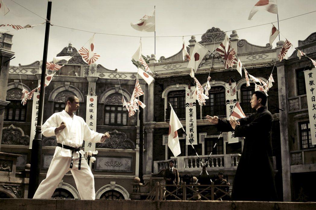 電影《葉問》中,對於日本侵華、反抗日本軍官等場面情節,有所描繪。 圖/電影《葉問...