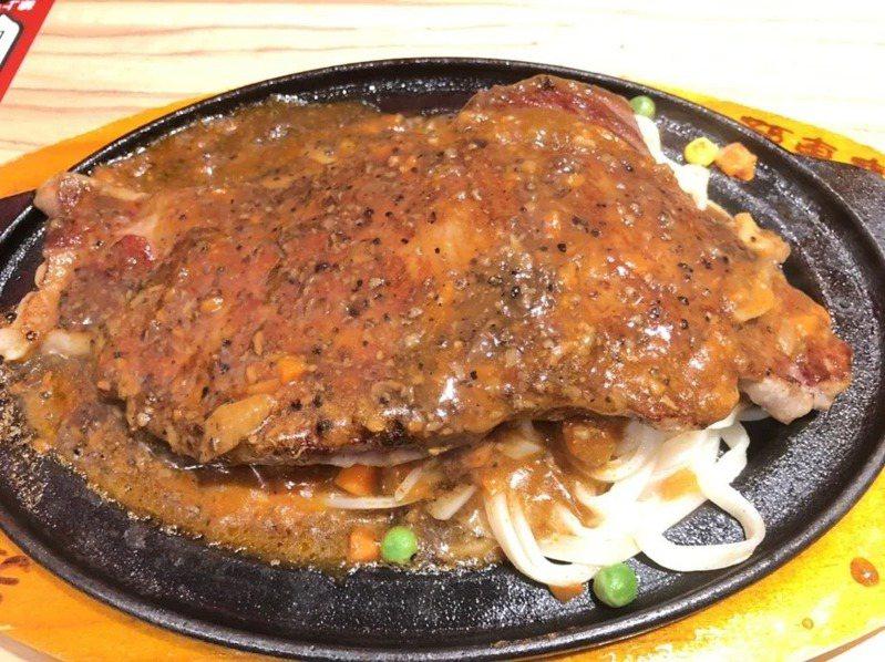 三色豆是台式牛排餐點中常見的配餐。 聯合報系資料照片/記者蔡家蓁攝影
