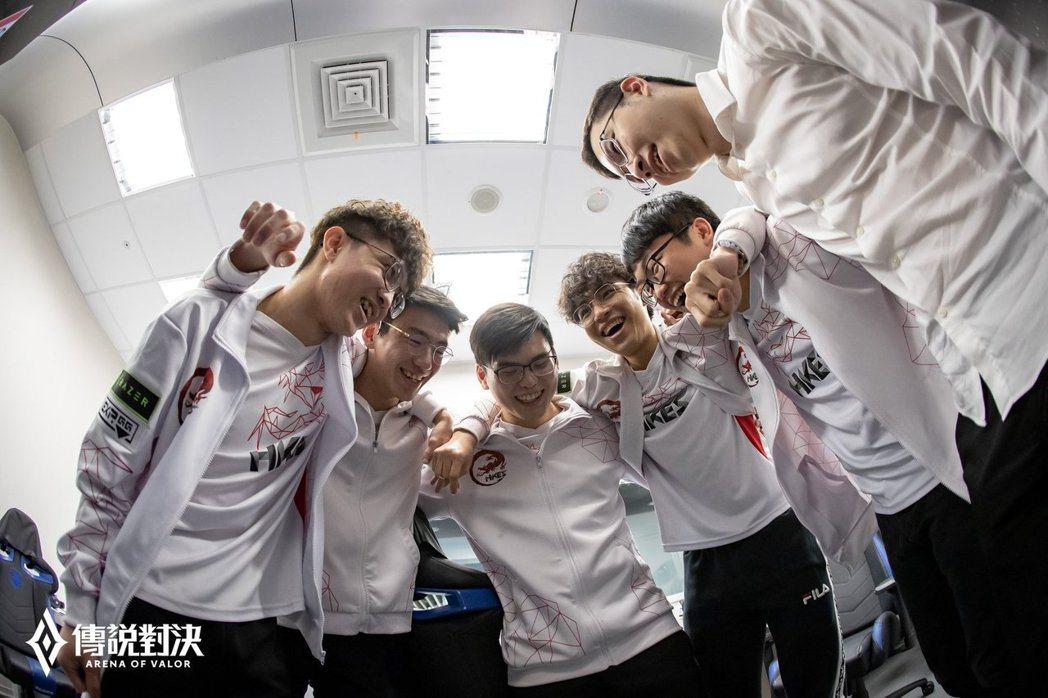 以王者之姿晉級總冠軍賽的HKA,將拿下GCS首次二連冠?/圖片來源:Garena...