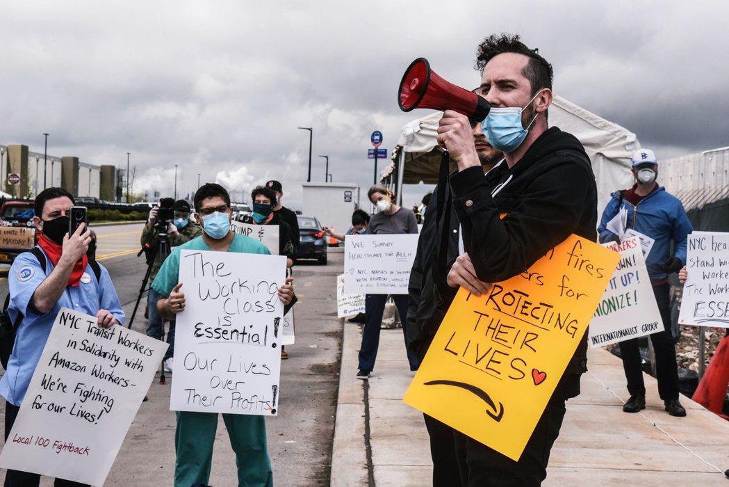 輿論對於貝佐斯鉅富的反感,很大程度上卻是疫情期間,亞馬遜諸多勞權爭議的業力引爆。...