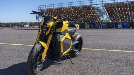 101.9公斤米的扭力的重機!Verge TS電動機車便宜又大碗?