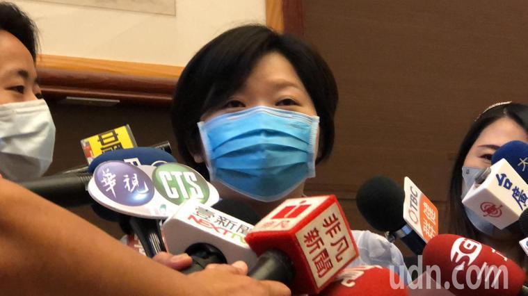 顏莉敏說,對他父親動大手術,很不捨。記者陳秋雲/攝影