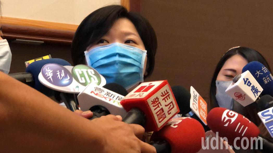台中市議會副議長顏莉敏澄清「我沒有脂肪肝」傳言不知哪裡來的?記者陳秋雲/攝影