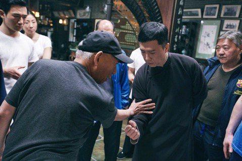 香港金像獎落幕,可見到無論是動作、文藝作品都獲得肯定,證明了香港電影雖然面對困境,但在創作及拍攝上依然維持著高品質。其中最受到矚目的功夫動作鉅製「葉問4:完結篇」讓武術動作大師袁和平6度獲得最佳動作...
