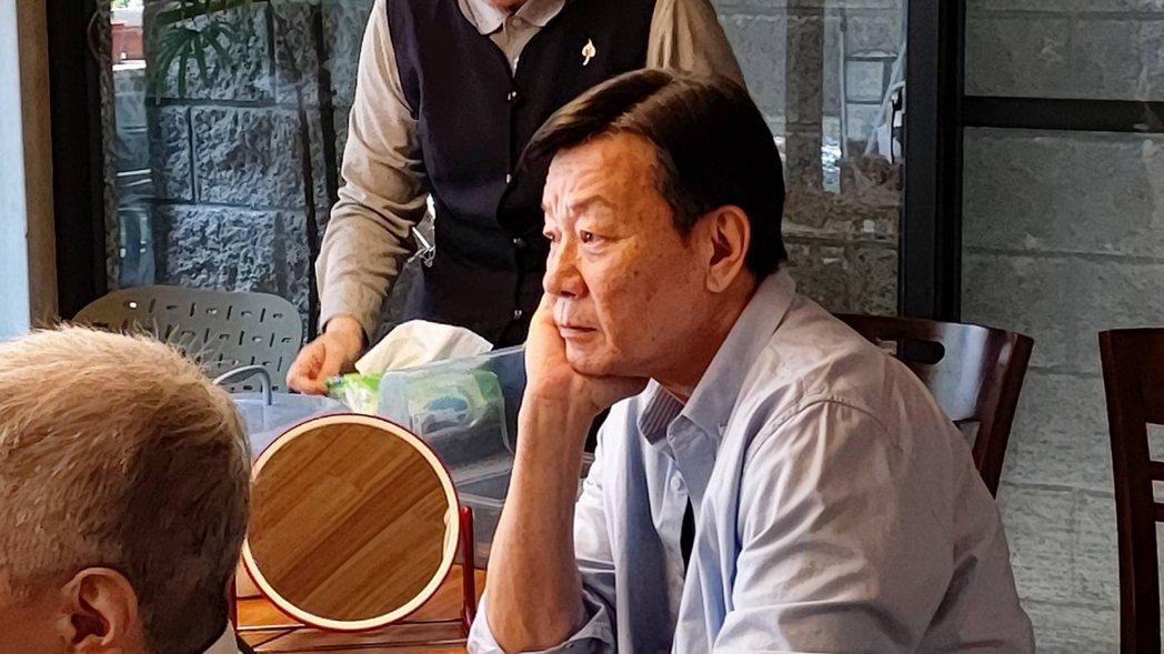 寇世勳拜訪大林慈濟醫院曹汶龍醫師。圖/大愛台提供
