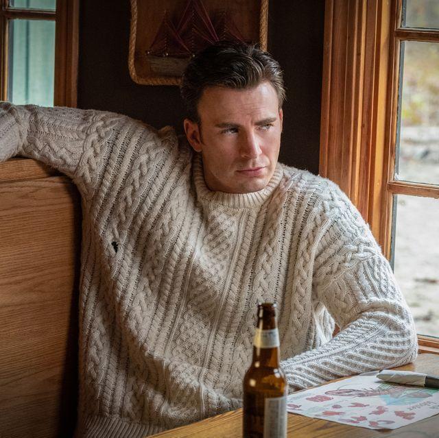 克里斯伊凡讓毛衣爆紅,成為熱門商品。圖/摘自EW