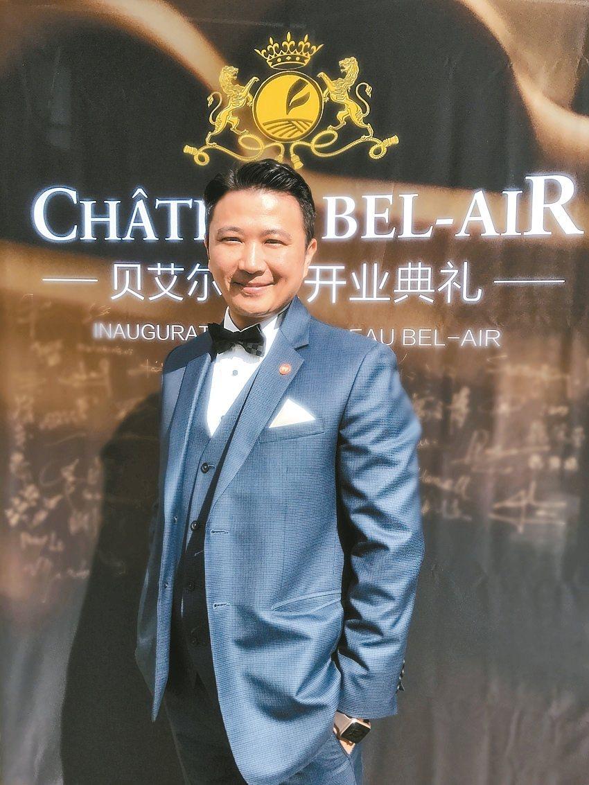 呂政璋是目前極少數被授予「法國聖艾美隆魯拉德騎士勳章」榮譽的台灣人之一。 吳青常...