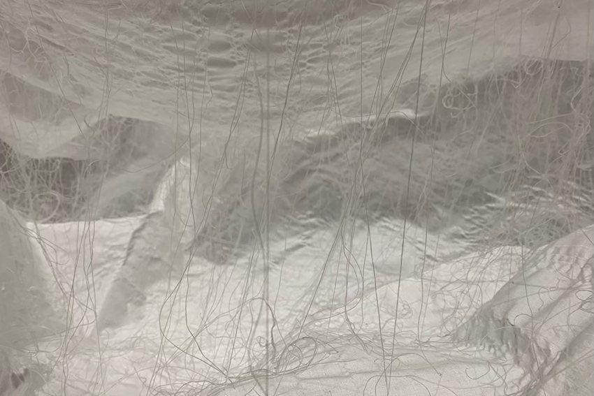 藝術家程淑娟以布為媒材打造出詩意空間。 新北市文化局/提供