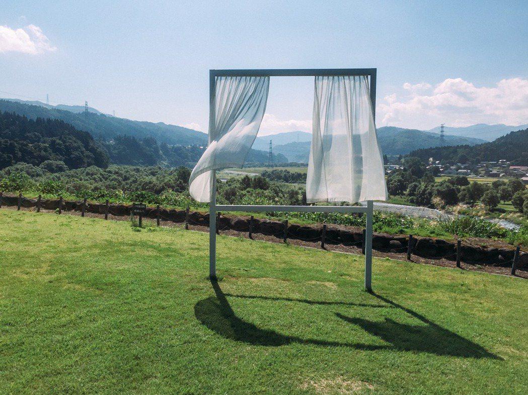三年一度的越後妻有大地藝術祭,以農田作為舞台、藝術作為橋樑,連繫人與自然,202...