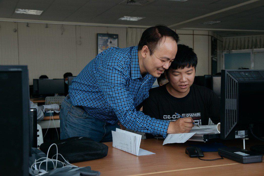 台灣IBM在2018年正式導入P-TECH創新教育模式,培育具備科技運用能力的新...
