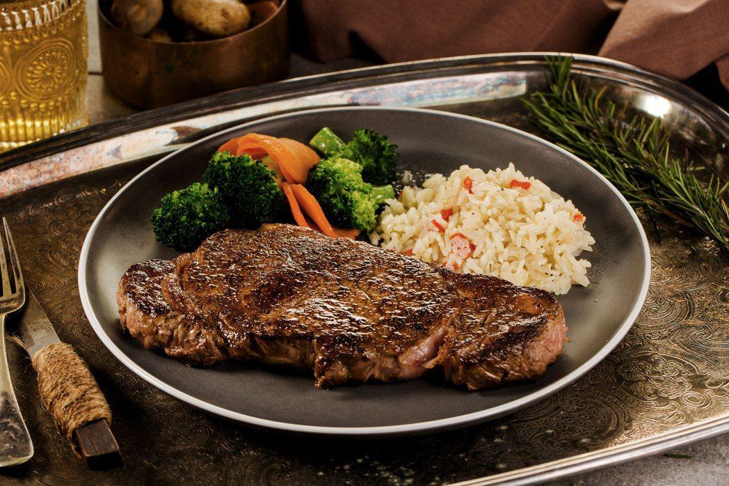 紐約客牛排館選用USDA PRIME美國新鮮冷藏牛肉,全程以高成本冷藏非冷凍的方...