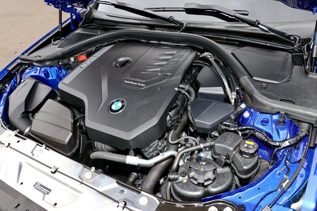 330i Touring M Sport配備2.0升TwinPower Turb...