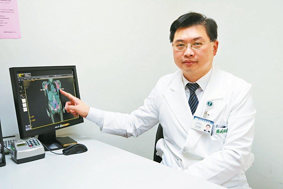 醫師黃威翰表示,新型口服標靶藥物可抑制惡性細胞生長,又有健保給付。 圖/花蓮慈濟...
