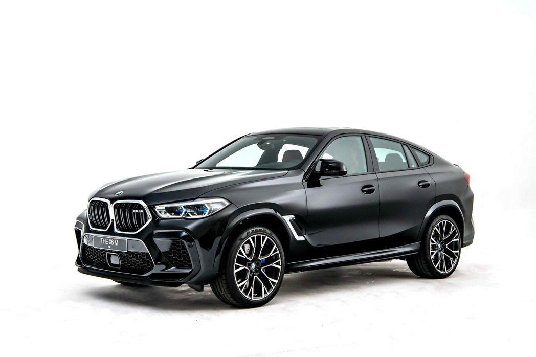 全新BMW X6 M帶著純正BMW M GmbH血統磅礡上市。 圖/汎德提供