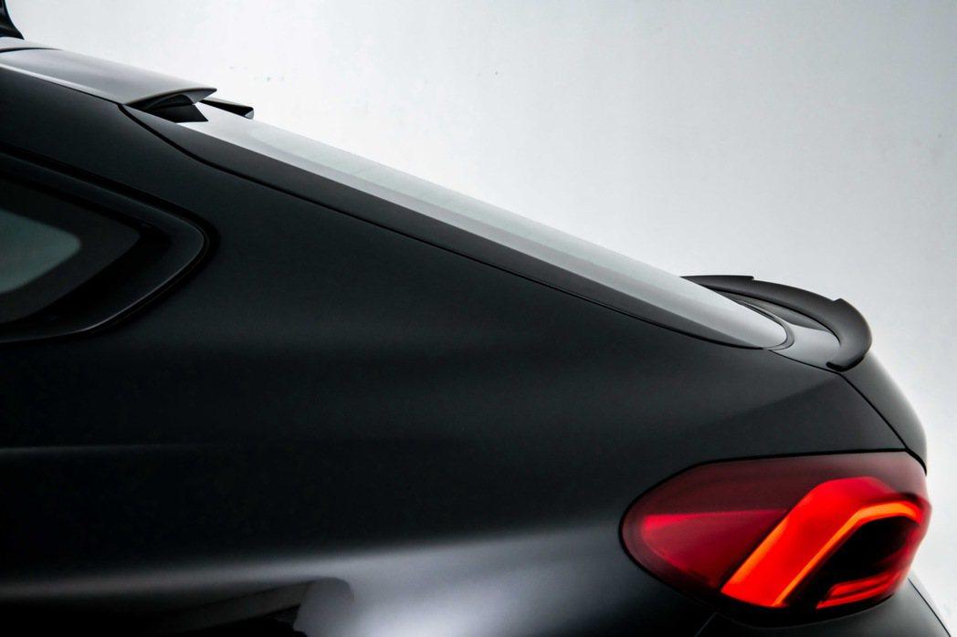 車尾M後擾流尾翼設計傳遞M專屬設計語彙。 圖/汎德提供