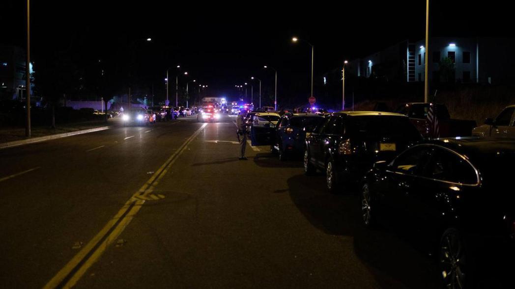 警方取締街頭競速示意圖。 摘自Motor1