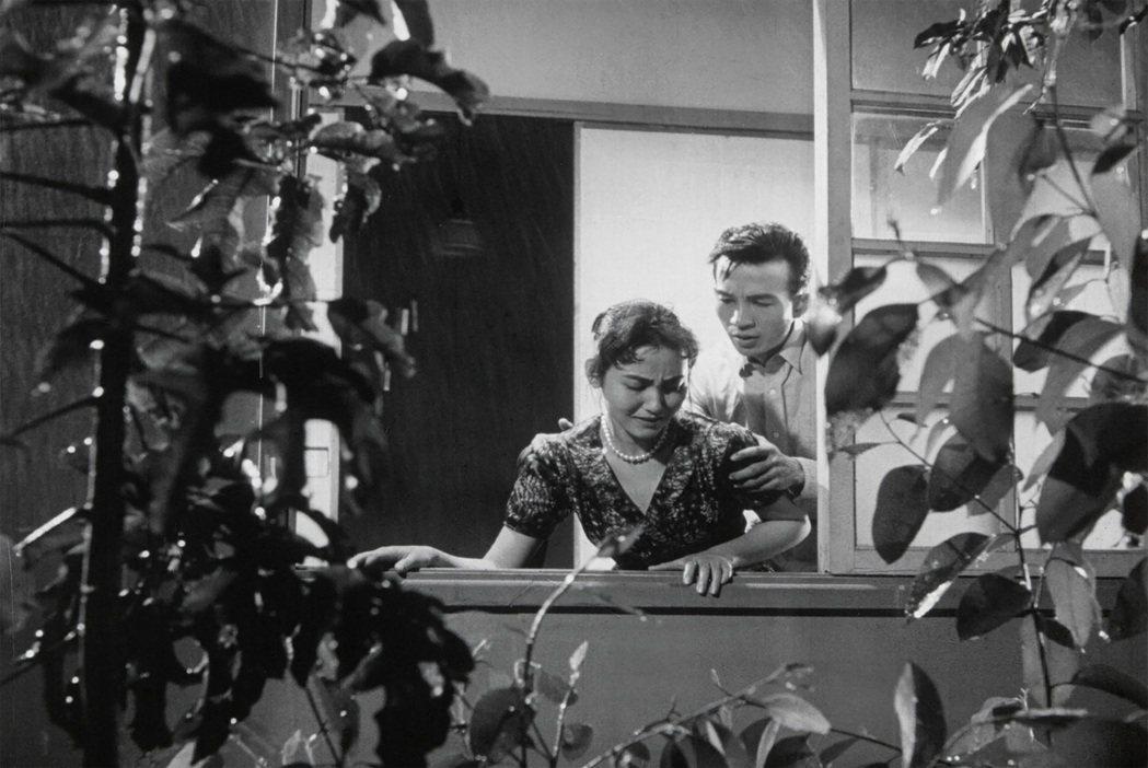 張潘陽(右)張美瑤主演電影「丈夫的秘密 」。圖/friDay影音提供
