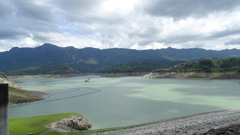 台南山區今未再降雨,曾文水庫需水孔急,寄望下周滯留鋒面帶來雨水進帳。記者謝進盛/攝影