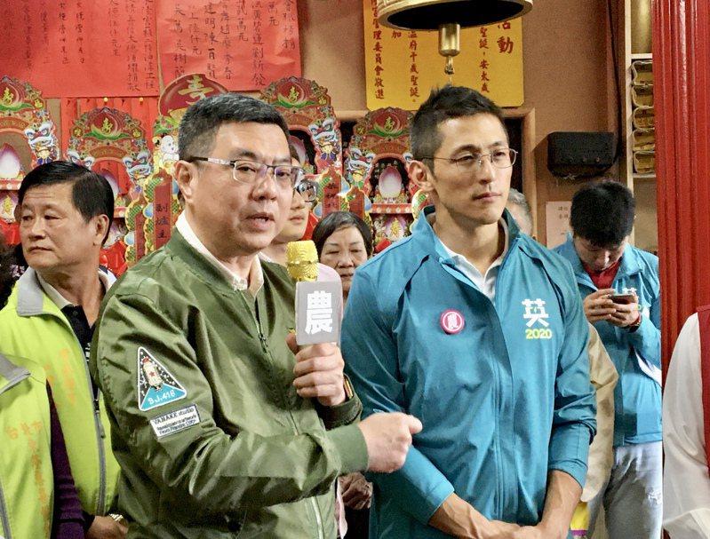 總統府密件外洩,曾任職國安會的吳怡農(右)及民進黨主席卓榮泰先後貼文發表評論,引來關注。圖/本報資料照片