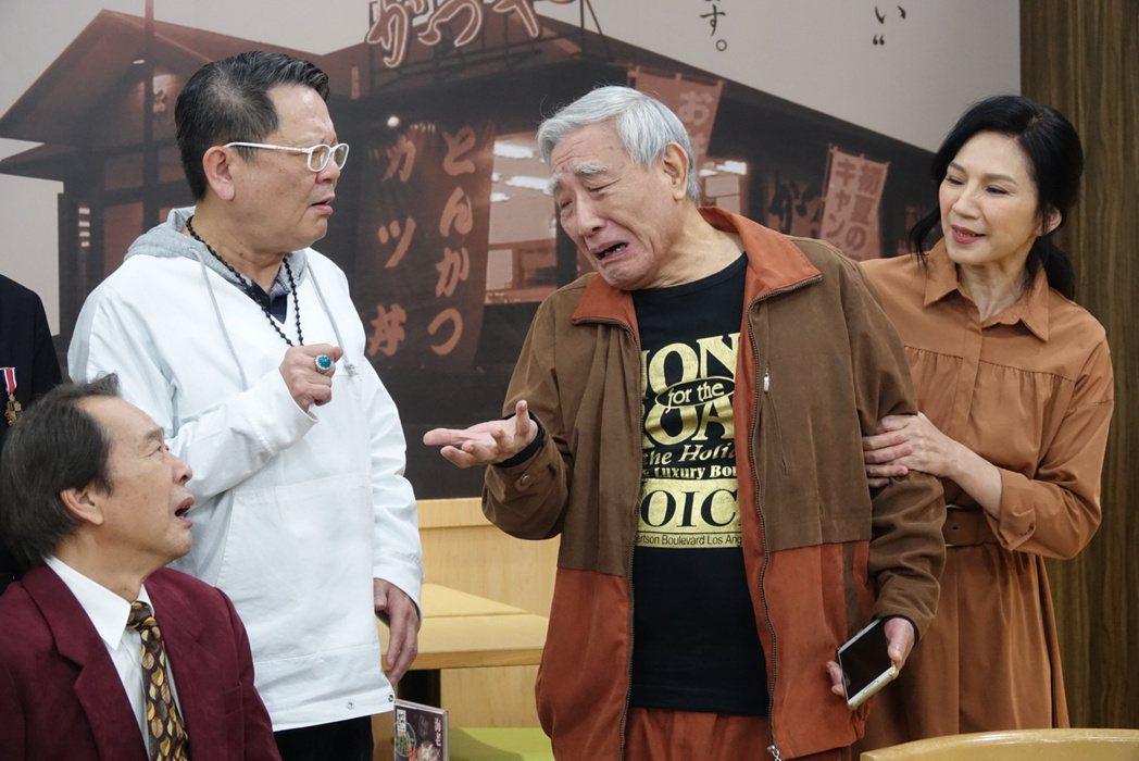 張魁(左起)、鄭進一、張帝、小百合演出「有家雜貨店」。圖/東風衛視提供