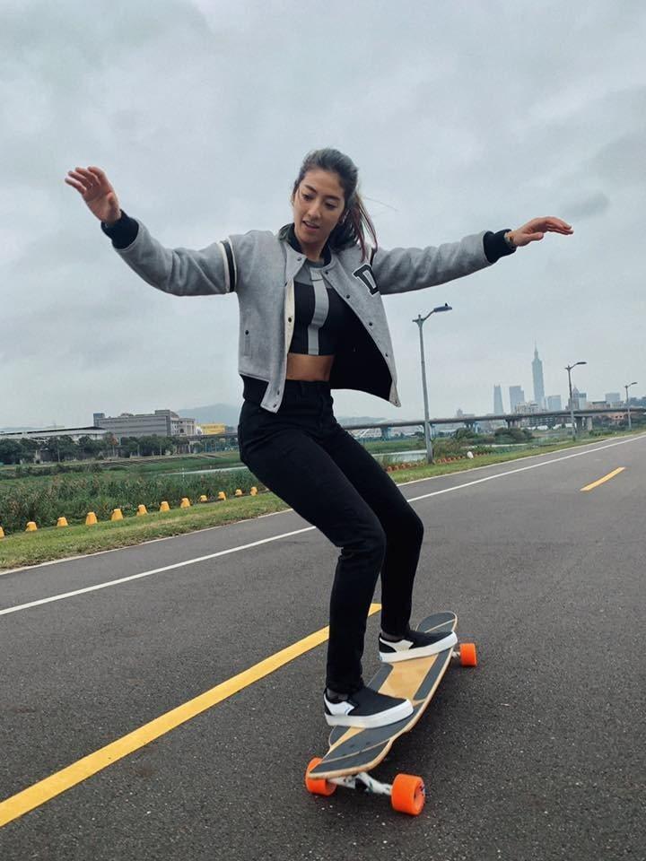 瑞瑪席丹因玩滑板受過傷。圖/彥恩國際提供