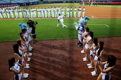 打高投低、彈力球與比賽時間過長——職棒球迷要的是什麼?