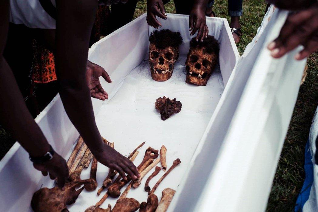 盧安達大屠殺在國際無力的消極應對下,持續了整整3個月。最終在烏干達政府與圖西族反...