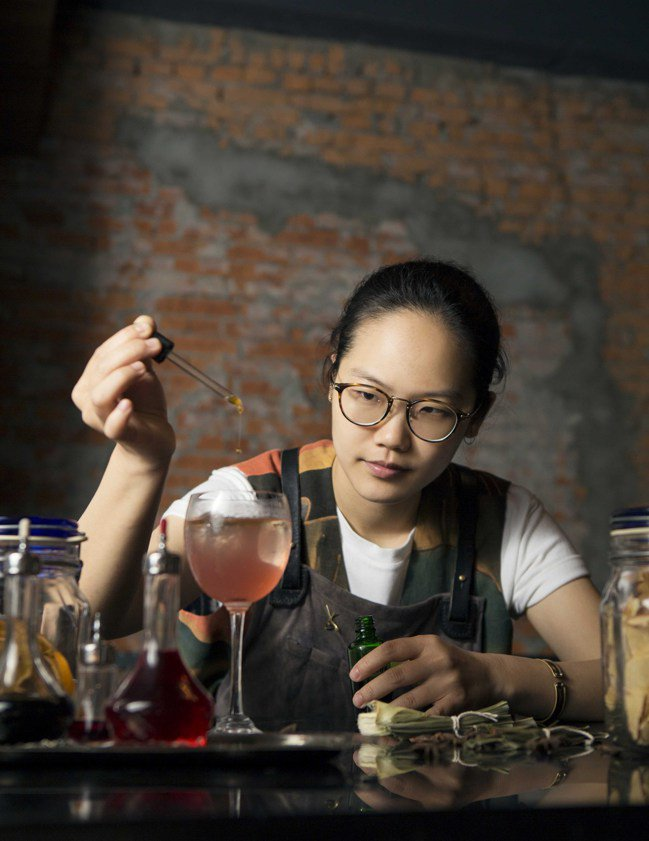 CLOSET衣櫥餐酒館─吧檯經理劉欣蓓(Pei Liu)。