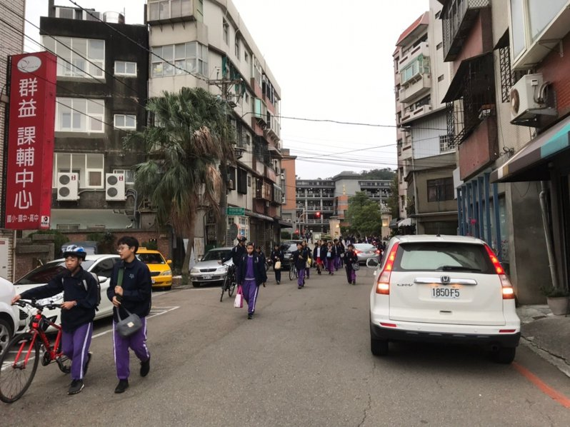 東山街、培英街鄰近學區上下學時間通勤狀況。示意圖/新竹市政府提供